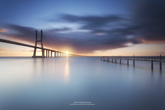 VASCO DE GAMA BRIDGE II (Javier Girbs) Tags: morning bridge sun portugal river dawn lights luces dusk lisboa lisbon jetty riotajo vascodegama canon1740lf4usm canon6d singhrayfilters triopo leefilterholder javiergirbes gndr3stops