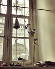 sweet break (Cristina Birri) Tags: window ginger finestra caff trieste lampada dolci pausa
