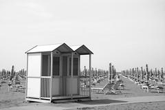 Resting beach (VeeePhotoJourney) Tags: italy beach italia sonne bagno venezia venedig spiaggia bibione sunbed sdraio strandhaus ombrellone