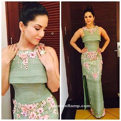 Sunny Leone in Green Cutout Gown by Archana Kochhar (shaf_prince) Tags: india fashion bollywood gowns 2016 sunnyleone 2013 designerwear archanakochhar