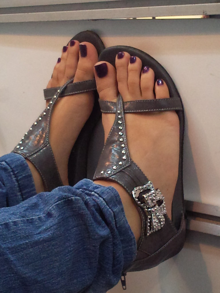 Mature mexican feet in flip flops