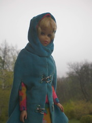odd weather - tempo bizzarro (puppi17) Tags: vintagedoll vintagefashion modfashion franciedoll vintagebarbiefashion franciefashion hairfairfrancie franciemattel modbarbiefashion