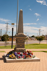 ANZAC_day_2012_gnangarra-17.jpg (Photographs by Gnangarra) Tags: memorial cockburn hamiltonhill anzacday2012 photographsbygnangarra