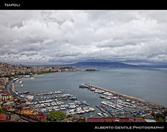 Napoli 14 aprile 2012 (albygent Alberto Gentile) Tags: sky italy clouds photography nuvole mare barche cielo napoli americascup cartolina contrasto golfodinapoli canon5dmark2 mygearandme