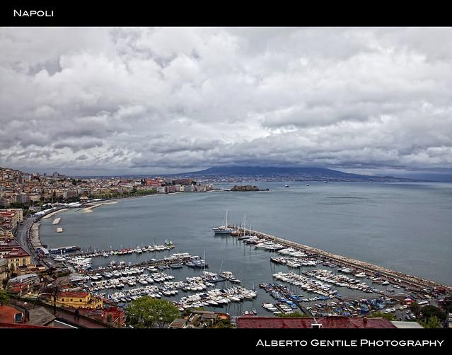 Napoli 14 aprile 2012