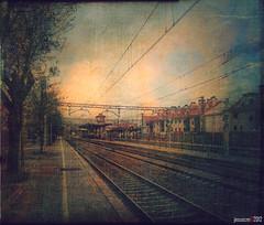 esperando el primer tren de la mañana