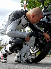Oxtar boot guy (redsboy78) Tags: boots smoke smoking smoker raucher alpinestars