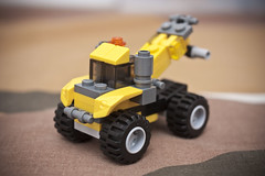 LEGO Creator 5761 Pickup Truck 1 (carlo_montoya) Tags: toy lego bricks pickuptruck buildingblocks legocreator educationaltoy legocreator5761