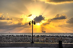 _DSC9371 (nabilelsherif) Tags: sea sky sun clouds nikon nikkor hdr d90 18105mm bestcapturesaoi elitegalleryaoi mygearandme mygearandmepremium