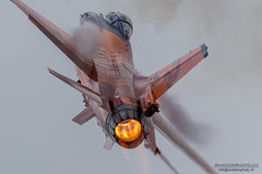General Dynamics F-16AM, Royal Netherlands Air Force (AviationPhoto.ch) Tags: plane canon airplane flying aviation flight technik airshow veranstaltung flugzeug aerobatics lightroom fairford fliegen flugtag riat flug airdisplay royalinternationalairtattoo luftfahrt kunstflug raffairford airtattoo flugschau adobelightroom luftfahrzeug ef100400mmf4556lisusm lr4 friat formationsflug canoneos7d elessarch aerobatik processedwithadobelightroom royalinternationalairtattoo2012 fiendsoftheroyalinternationalairtattoo 1207081149228930 aviationphotoch wwwaviationphotoch