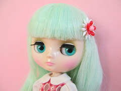 Middie (Helena / Funny Bunny) Tags: doll blythe middie funnybunny solidbackground melomelomew fbfashion