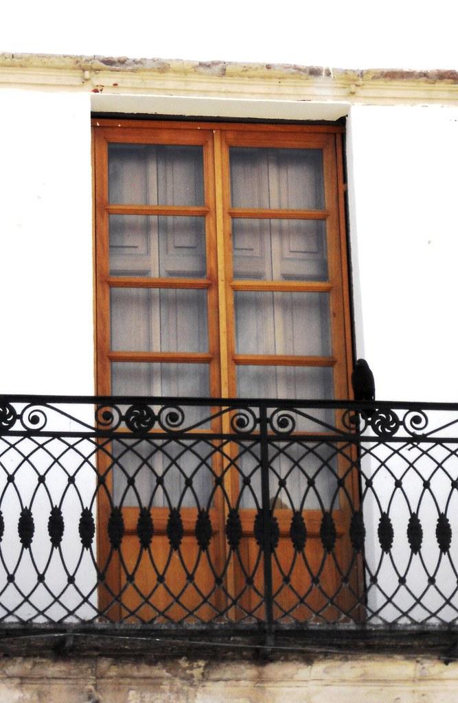 Balcon de herreria bal rejas de balcones herreria for Puerta balcon