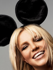 Britney Spears (Britney Spears.) Tags: white ny hot sexy celebrity beautiful beauty smiling portraits hair mouse happy photography official perfect pretty gorgeous famous goddess tan mickey entertainment prominentpersons entertainer celebrities hottie females perfection britneyspears popstar whiteteeth popicon