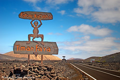 Timanfaya (anbri22) Tags: road sky clouds canon strada nuvole carretera lanzarote canarias cielo nubes canaryislands volcan g12 timanfaya anbri