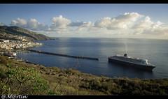 """Reina al atraque ... (Tenisca """"Alexis Martn"""") Tags: port puerto muelle mar barco mary queen queenmary lapalma queenmary2 cunard queenmaryii crucero trasatlntico santacruzdelapalma santacruzdelacalma"""