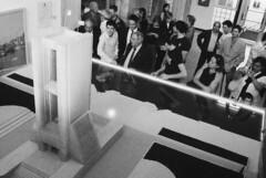 Il piccolo Monumento ai Caduti (sirio174 (anche su Lomography)) Tags: school como scuola inaugurazione monumentoaicaduti modellino istitutotecnico