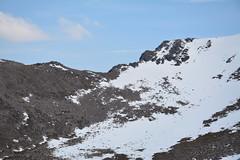 Fiacaill ridge leading to Cairn Lochan (nic0704) Tags: mountain walking t landscape scotland highlands outdoor hiking hill peak an ridge climbing summit mountainside cairn gorm scramble cairngorm cairngorms foothill lochan coire sneachda fiacaill
