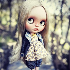 Jacqueline, custom blythe by me in the outfit from upcoming collection by Odd Princess Atelier  #blytheclothes #customblythe #oddprincess #ooak #doll #outdoors #babylook #child #custom #jacket #bloomers #blonde #stardancer