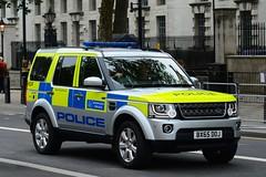 BX65 DOJ (S11 AUN) Tags: london 4 police disposal rover eod land vehicle emergency discovery metropolitan explosive response unit 999 ordinance ordnance metpolice sdv6 bx65doj