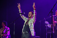 Ringo Starr (smileybears) Tags: musician concert beatles ringostarr rymanauditorium allstarrband