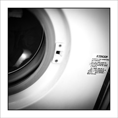Rutinas de una Incapacidad (Jose Luis Durante Molina) Tags: personal rutina diario maquina ensayo animo lavadora sentimiento carcel intimo lavado lavar sensacion desanimo joseluisdurante washmaching