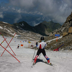 Downhill ski slalom at the Kitzsteinhorn (Bn) Tags: summer vacation snow ski mountains alps salzburg ice sports sport speed landscape geotagged austria see climb am high topf50 rocks skiing hiking plateau flag down downhill days glacier adventure arena alpine valley ice