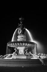 bordeaux-fontaine-des-trois-graces-2 (A Sad Boa) Tags: city bw sculpture france water fountain night eau bordeaux grace nb fontaine nuit ville