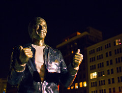 The Fonz Statue (andrewpabon) Tags: statue night milwaukee fonz happydays fazolis arthurfonzarelli