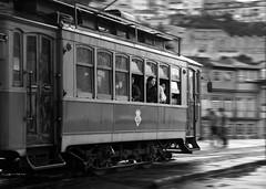 (Charln) Tags: portugal tram porto oporto tranvia goldenawardlostcontperdidos