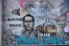 DSC_6262 Shoreditch Street Art London - Ronnie Biggs Take the Train (photographer695) Tags: street london art train shoreditch take ronnie biggs