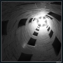 ...Château de Chambord... (fredf34) Tags: blackandwhite white black france castle canon centre powershot histoire chambord château renaissance escalier historique loiretcher contreplongée républiquefrançaise sologne valdeloire châteaufort châteaudechambord françoisier fredf leonarddevinci noieetblanc patrimoinemondial monumenthistorique châteauxdelaloire powershots3is s3is canons3is canonpowershots3is powershots3 escalieràvis canon3is fredf34 châteaurenaissance royaumedefrance fredfu34