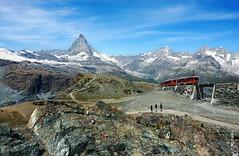 es fhrt ein Zug nach Zermatt (welenna) Tags: blue schnee summer sky mountain snow mountains alps landscape switzerland view swiss eisenbahn zug berge gornergrat matterhorn alpen wallis schwitzerland
