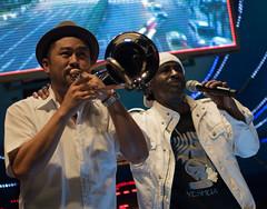 Pato the Back (simmosimpsonphotography) Tags: embrace arm shoulder trombone mic pato banton live music