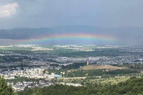 云南大理,洱海边的彩虹。