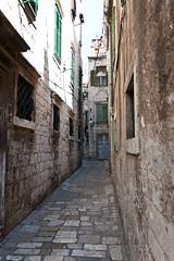 _MG_6059.jpg (location: unknown) Tags: europe structures croatia places infrastructure alleys kroatia hrvatska alleyways ibenik kujat