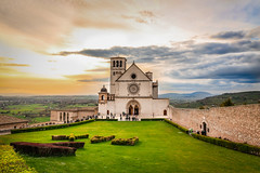 assisi (ylli.lamaj) Tags: italy colors beauty landscape daylight italia assisi umbria chiese architetttura