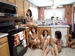 SAM_0460 (imperfectious.beauty) Tags: kitchen clones multiples clone