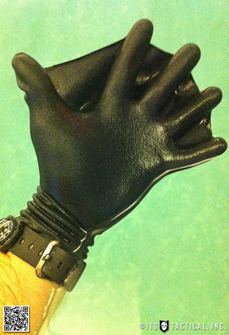 Darkfin Gloves 01