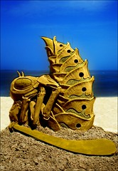 """Bee Or Not To Be"" ~ Sandsculpture by Jonathan 'Jobi' Bouchard (FelixSS) Tags: massachusetts bouchard jobi beeornottobe sandsculpturejonathan"
