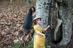 Pocahontas & Jane (frensih91) Tags: summer colors del forest doll jane wind barbie 1999 disney collection spy colori tarzan pocahontas vento collezione bosco bambola foresta spia spionaggio esploratrice frensih91