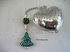 o christmas tree tea 2 (Prim*Rose*Hill) Tags: tea infuser teaball