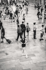 Ballet Dancing at Grand Central III (Uwe Seiler) Tags: new york usa nikon 18200 d70nikon vrii yorknikon usanikon d7000 vriinikon 20120725 d70nikond7000 usa20120725 usad7000 usausanew