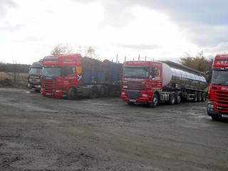 DSCN2689.MX55 FOP.renault.SV53 BYN scania.SV12 AFZ daf xf Tankers timber transport A & F Grant Ltd