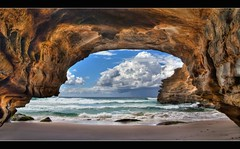 ghosties-sea-cave-ghosties-beach-nsw-australia