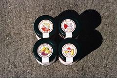 01750029-84 (jjldickinson) Tags: olympusom1 fujicolorsuperiaxtra400 roll495o2 promastermcautozoommacro2870mmf2842 promasterspectrum772mmuv wrigley italian food packaging concrete jar ilmongetto bagnettorosso giosalsa mostardaduva salsadipeperoni longbeach