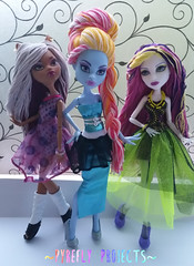 Spectra, Abbey & Clawdeen (Pyrefly Projects) Tags: sports thread abbey monster high doll day embroidery picture projects spectra custom ghoul reroot rehair pyrefly clawdeen kizrianah