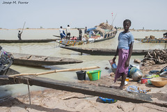 NENA AL PORT DE MOPTI (Mali, agost de 2009) (perfectdayjosep) Tags: mopti mali perfectdayjosep afrique àfrica africa nigerriver riuníger ríoníger