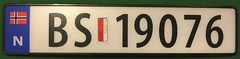 NORWAY 2012 ---FLAG PASSENGER LICENSE PLATE (woody1778a) Tags: norway 2012 europe europa registrationplate numberplate licenseplate mycollection myhobby alpca