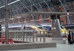 RD13373.  An Evening View of Siemens Class 374 Eurostar e320s at London St. Pancras International. (Ron Fisher) Tags: station train eurostar transport olympus vehicle emu publictransport stpancras trainshed passengertrain e320 stpancrasinternational class374 olympusvh520