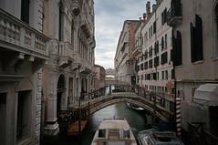 DSC01949 (Tintenfischkleber) Tags: venice clouds canal san long exposure sony bridges ponte marco piazza 1855 sel venezia venedig dei sospiri nex 5n